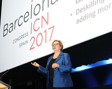 Linda Aiken en un momento de la conferencia