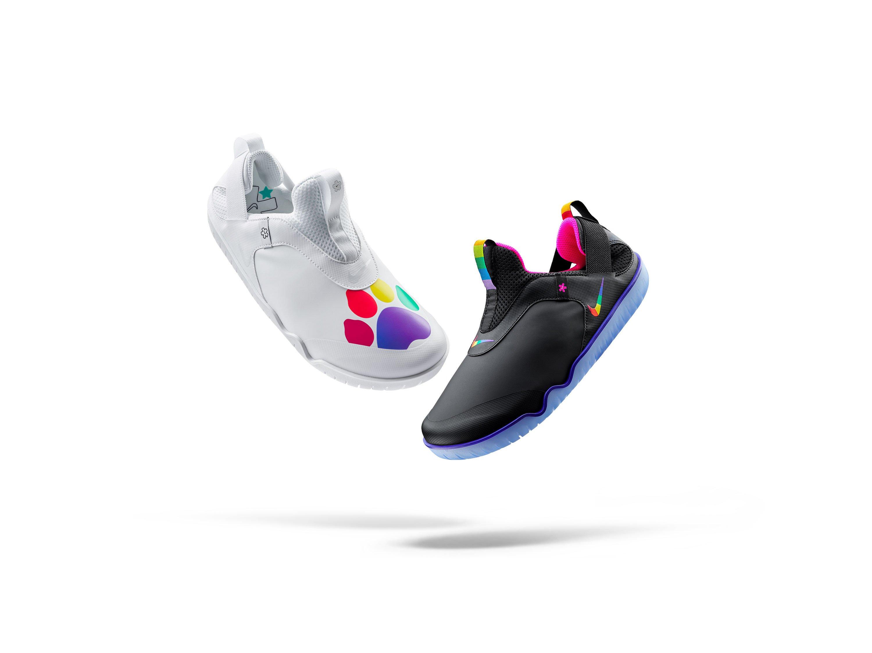 Desaparecer energía santo  Así son las zapatillas para médicos y enfermeros de Nike
