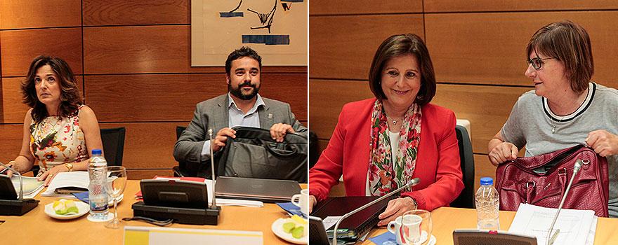 A la izquierda, Beatriz Artolazabal, consejera de Empleo y Políticas Sociales del País Vasco, y Chakir el Homrani Lesfar, consejero de Trabajo, Asuntos Sociales y Familias de Cataluña. A la derecha, María José Sánchez Rubio y Pilar Valera.