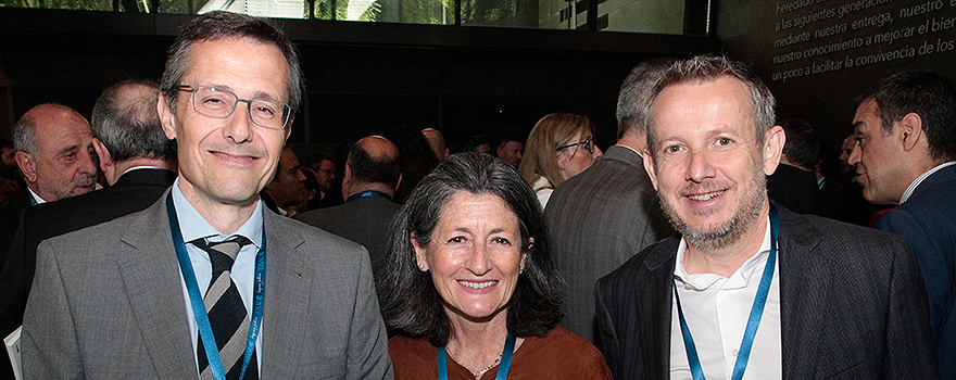 Manuel Mora, director de Hospital Care de Linde Healthcare; Mercedes Franco, directora de Marketing de Linde Healthcare, y Ángel Orteu, director comercial de ResMed.