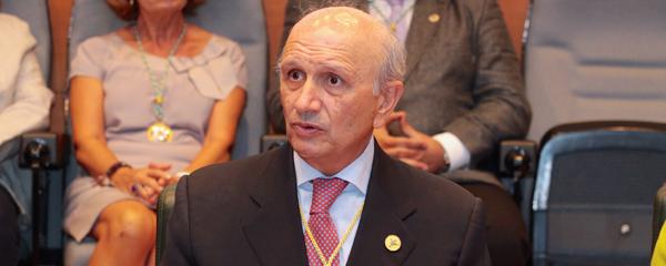 Máximo González Jurado, expresidente del Consejo General de Enfermería.