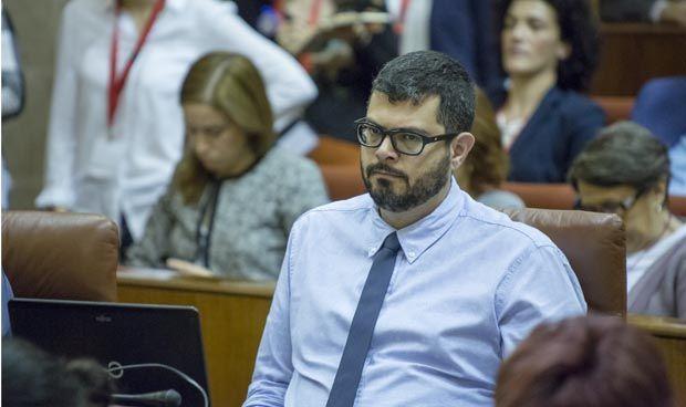 """""""Andalucía tiene que evitar que el médico tenga que compensar su salario"""""""