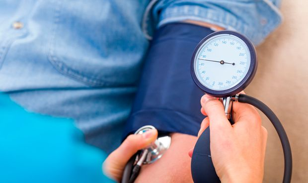 Bajar la tensi�n m�s de lo habitual no reduce las muertes cardiovasculares