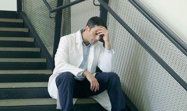 'Burnout': ¿Tienen los médicos síntomas de estrés... o no?