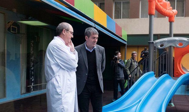 """Clavijo agradece a los sanitarios su trabajo pese a los """"recortes"""""""