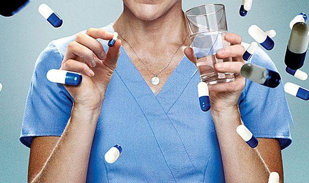 ¿Cuál es la principal causa de adicción a los fármacos entre los médicos?