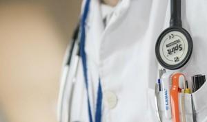 ¿Cuándo ven pacientes los médicos expertos en charlas, cursos y congresos?