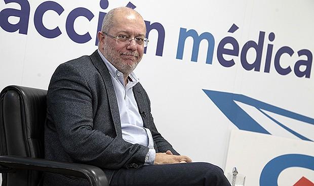 """""""El objetivo de la política sanitaria es el ciudadano, no el profesional"""""""
