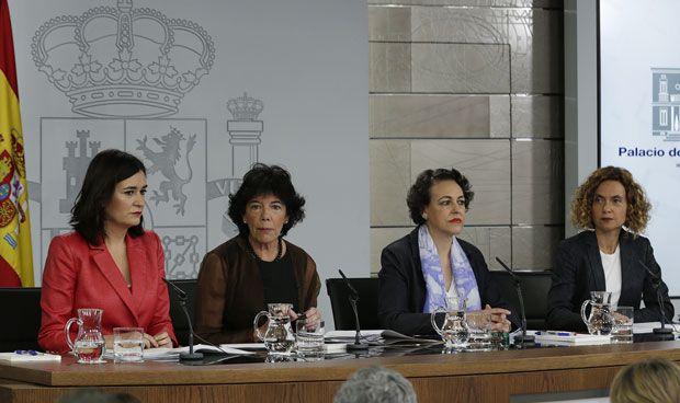 """España recupera la sanidad universal: """"No dejaremos atrás a nadie"""""""