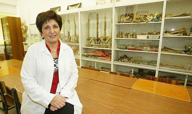 """""""Falta representación femenina en los decanatos de Medicina"""""""