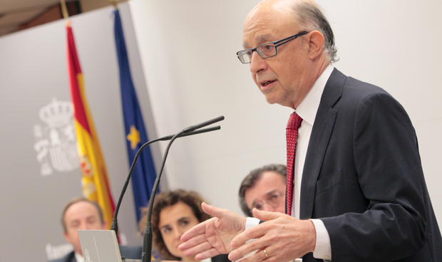 Firma Gobierno-Farmaindustria y aviso de Montoro: habrá más pactos en 2017