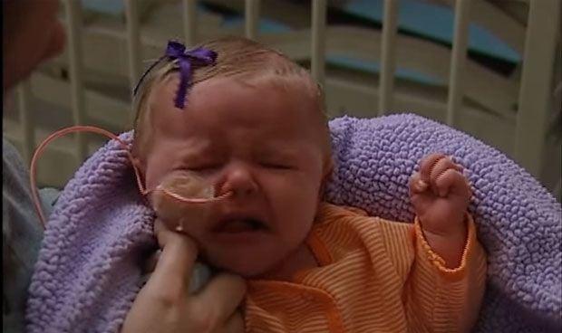 ¿Has escuchado a un bebé con tosferina? El desgarrador vídeo provacunas