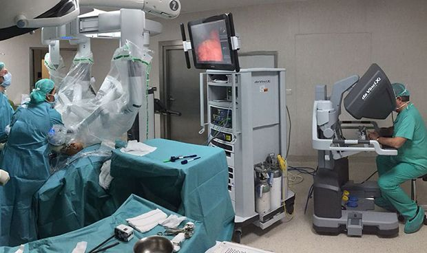 """Resultado de imagen para robot de última generación, llamado """"Da Vinci"""""""