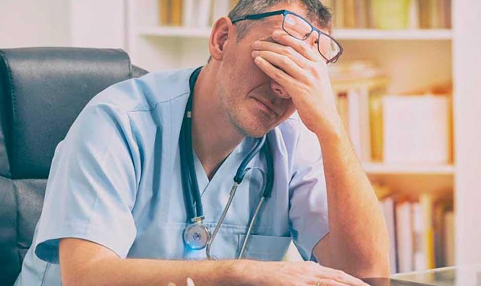 """""""Las malas decisiones políticas se llevan la salud de médicos y pacientes"""""""