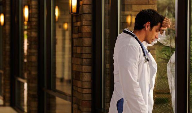 """""""Pocos sitios con más llorones engreídos que este puto gremio"""" de médicos"""