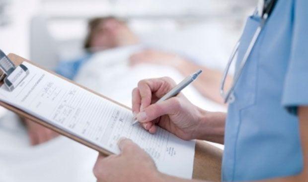 ¿Por qué los médicos son A1 y los enfermeros A2 si los dos son graduados?