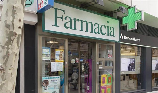 ¿Puede una farmacia hacer publicidad de su negocio en España?