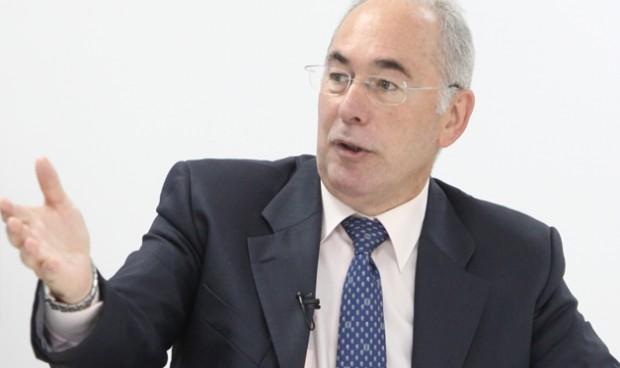 ¿Qué médicos de la pública quieren negociar planes de pensiones privados?