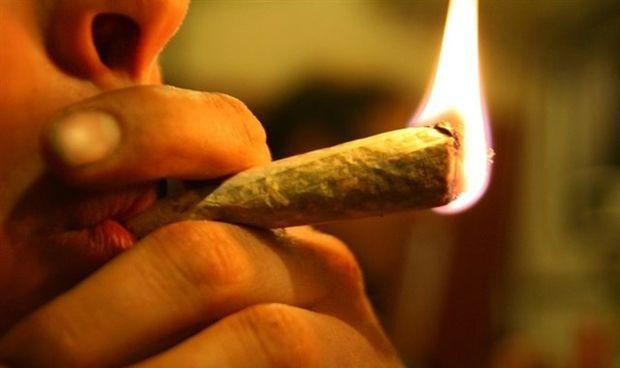 ¿Quién cae más en el consumo de drogas, el médico joven o el veterano?