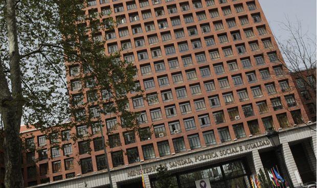 Sanidad se salta el límite de inversión pública prometido a Bruselas
