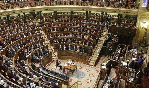 ¿Se adelanta la 'vuelta al cole' de los parlamentarios sanitarios?