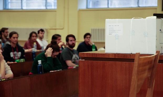 """""""Se necesitan más preguntas sobre violencia de género en el examen MIR"""""""