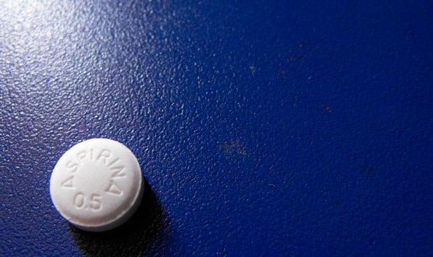 """""""Si no ha tenido un ataque cardiaco o derrame, no tome una aspirina al día"""""""