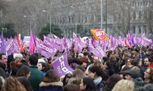 8M: ¿Cuánto salario pierden médicas y enfermeras por hacer huelga?