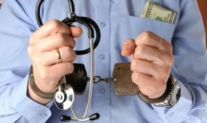 Médicos y estafadores: cuando el fraude mancha la profesión