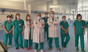 El 12 de Octubre realiza su primer implante coclear simultáneo
