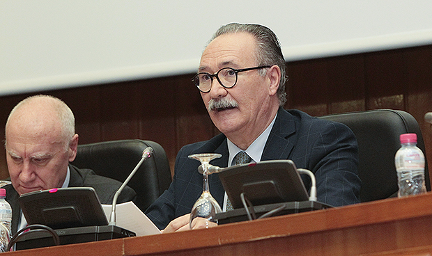 El Ministerio de Sanidad se queda solo en su defensa de los visados en EPOC