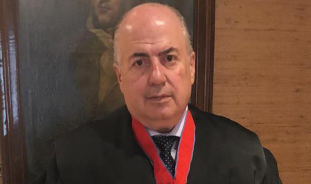 Justicia entrega la Cruz San Raimundo de Peñafort a De Lorenzo