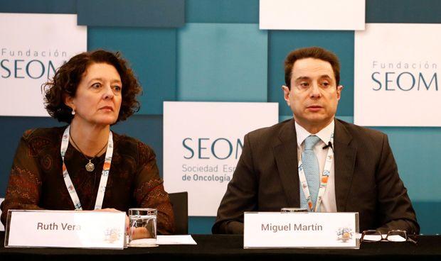 A España le faltan 200 oncólogos para acabar con la