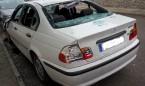 A martillazos contra el coche de su médico por cambiarle de centro de salud