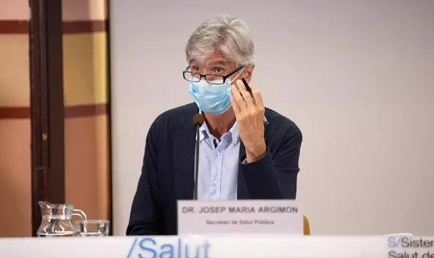 Adelanto de la vacuna Covid a hijos de sanitarios: Cataluña se queda sola