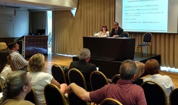 Aguilar detalla en Argentina los avances de la farmacia española