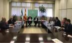 Aguirre se reúne con los médicos andaluces para informarles de sus medidas