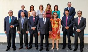 Alfonso Carmona asume la presidencia del Colegio de Sevilla