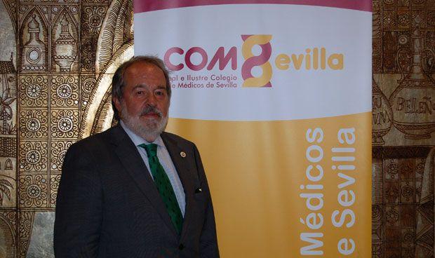 El pediatra Alfonso Carmona, nuevo presidente de los médicos de Sevilla