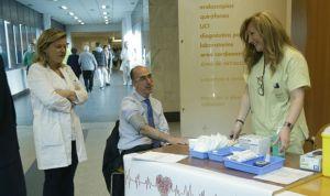 Almuiña destaca al personal de Enfermería como pieza clave en la asistencia