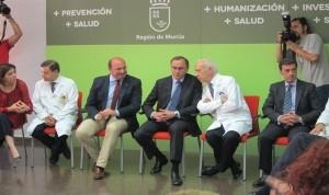Alonso agradece el trabajo del Arrixaca en el Plan de hepatitis C