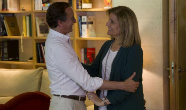 Alonso pone deberes a la nueva ministra