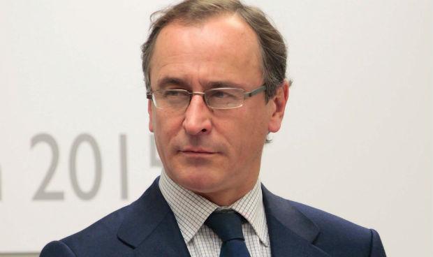 Alonso sigue siendo ministro de Sanidad... en el BOE