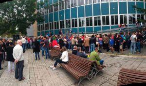 Altercados entre policía y votantes en los ambulatorios del referéndum