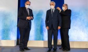 AMA distingue a Juan José Badiola con la medalla de Oro por su trabajo