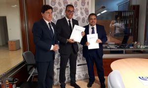 AMA firma con los fisioterapeutas canarios la póliza colectiva de Vida