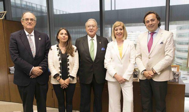 AMA firma un seguro colectivo de Vida con el Colegio de Ópticos andaluz
