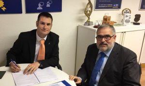 AMA firma una póliza colectiva con los fisioterapeutas de Castilla y León