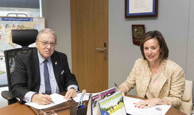 AMA firma una póliza colectiva de Vida con los farmacéuticos cántabros