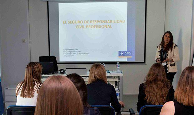 AMA forma en responsabilidad civil a más de 3.000 estudiantes de la UNIR